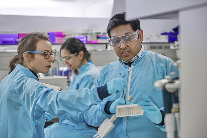 Scientists at Cancer Research UK
